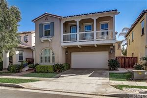 Photo of 332 W Weeping Willow Avenue, Orange, CA 92865 (MLS # OC19243973)