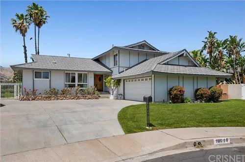 Photo of 16959 Jeanine Place, Granada Hills, CA 91344 (MLS # SR21077973)
