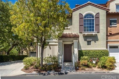 Photo of 23425 Abbey Glen Place, Valencia, CA 91354 (MLS # SR21094973)