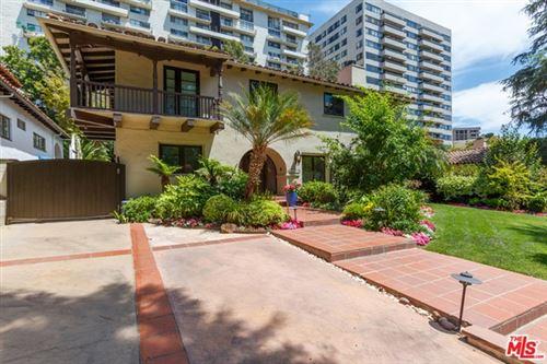 Photo of 10558 Lindbrook Drive, Los Angeles, CA 90024 (MLS # 21746974)