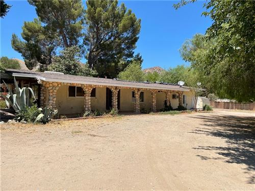 Photo of 26129 Ravenhill Road, Canyon Country, CA 91387 (MLS # SR21159974)