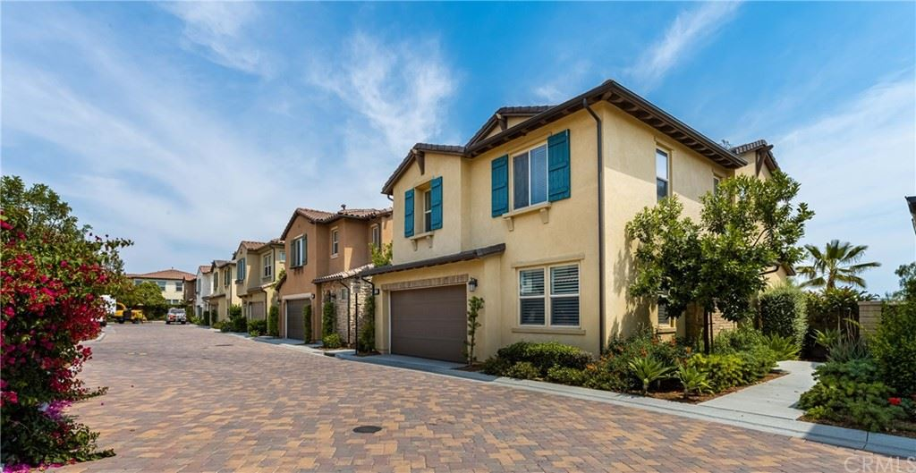 Photo of 34 Clover, Lake Forest, CA 92630 (MLS # PW21223975)