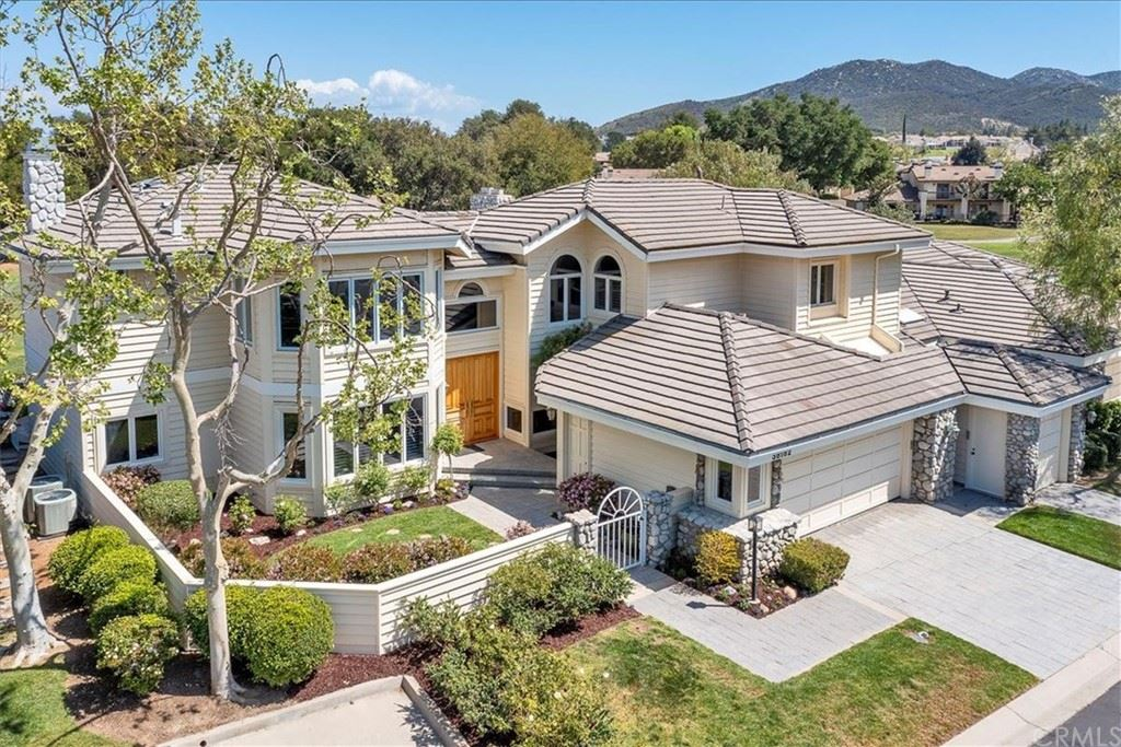 38182 Stone Meadow Drive, Murrieta, CA 92562 - MLS#: SW21041975