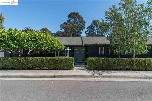 Photo of 935 Underhills Rd, Oakland, CA 94610 (MLS # 40947976)