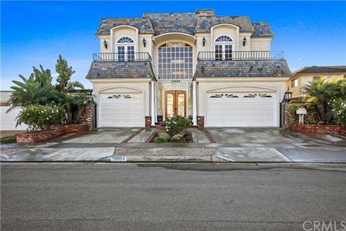 Photo of 16989 Edgewater Lane, Huntington Beach, CA 92649 (MLS # NP20237976)