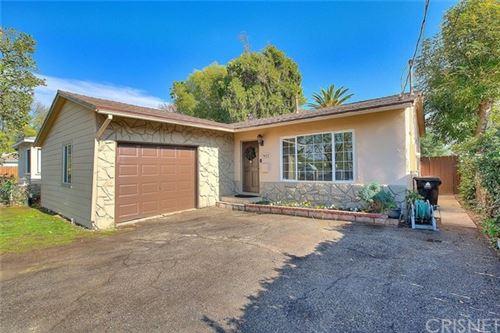 Photo of 7432 Lindley Avenue, Reseda, CA 91335 (MLS # SR21011976)