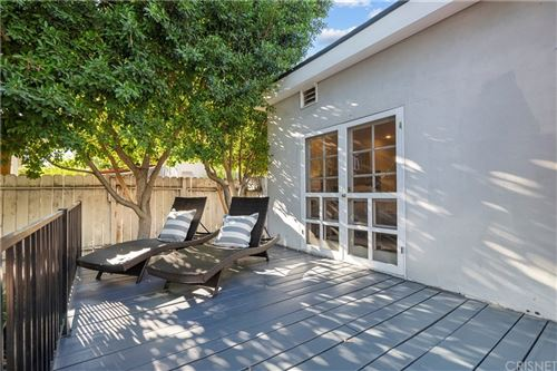 Tiny photo for 11038 Blix Street, North Hollywood, CA 91602 (MLS # SR21207976)