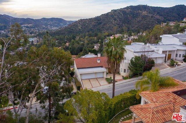 Photo of 3334 Oakmont View Drive, Glendale, CA 91208 (MLS # 21693976)