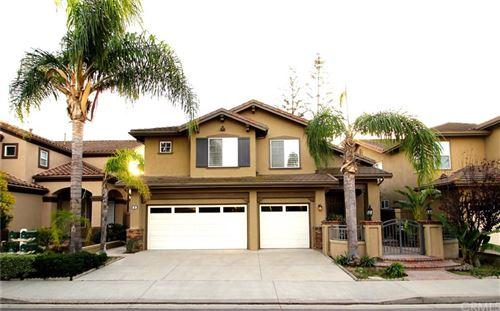Photo of 35 Calavera, Irvine, CA 92606 (MLS # OC21152977)