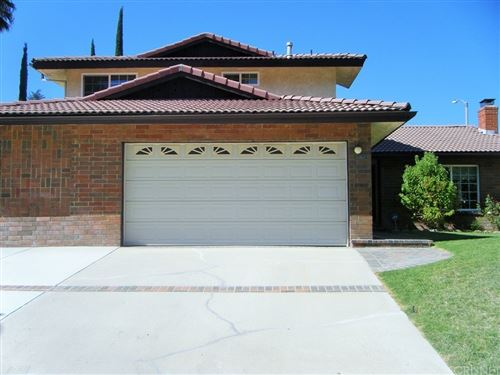 Photo of 27929 Via Amistosa, Agoura Hills, CA 91301 (MLS # SR21144977)