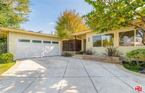 Photo of 22136 Tiara Street, Woodland Hills, CA 91367 (MLS # 20661978)
