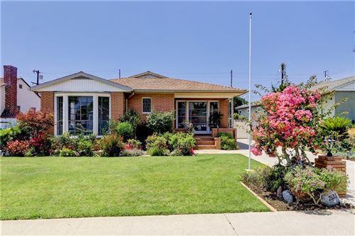 Photo of 2935 Greenfield Avenue, Los Angeles, CA 90064 (MLS # SB21157978)