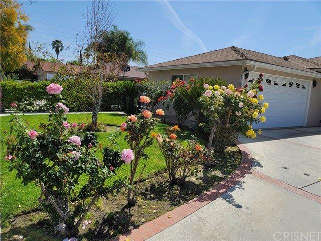 Photo of 13120 Bassett Street, North Hollywood, CA 91605 (MLS # SR21071978)