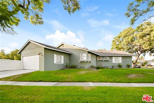 Photo of 1027 W Park Lane, Santa Ana, CA 92706 (MLS # 21786980)