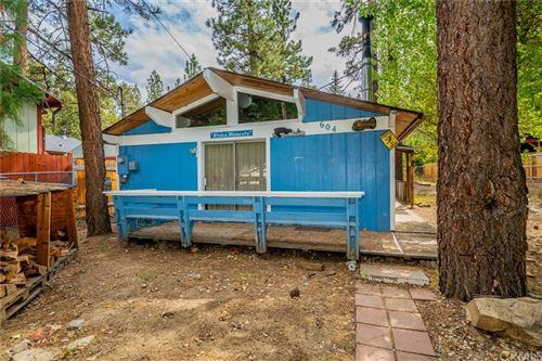 Photo of 604 Barret Way, Big Bear, CA 92314 (MLS # CV21222980)