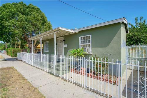 Photo of 6008 Hazelhurst Place, North Hollywood, CA 91606 (MLS # RS21216980)