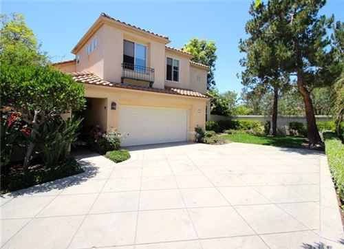 Photo of 19 Del Sonterra, Irvine, CA 92606 (MLS # OC21101981)