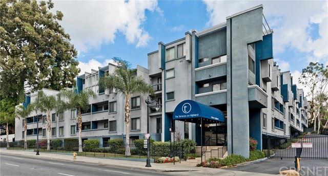 Photo of 1940 N Highland Avenue #PH81, Hollywood Hills, CA 90068 (MLS # SR21128981)