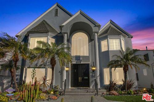 Photo of 1176 Beverwil Drive, Los Angeles, CA 90035 (MLS # 21679982)