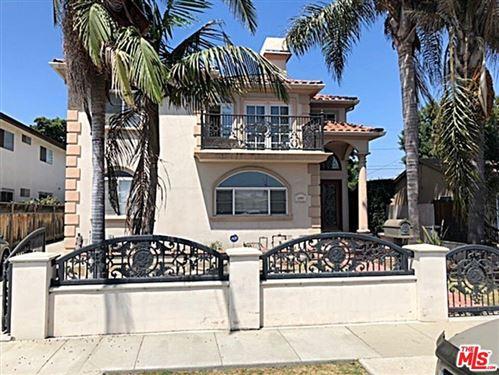 Photo of 12957 Admiral Avenue, Los Angeles, CA 90066 (MLS # 21776982)