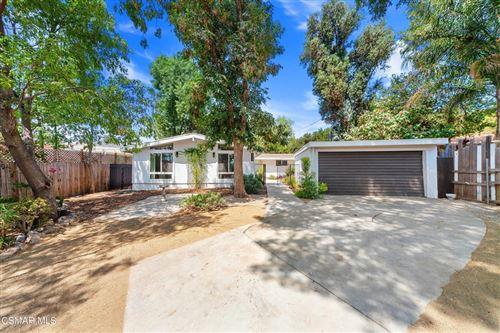 Photo of 23125 Schumann Road, Chatsworth, CA 91311 (MLS # 221003982)