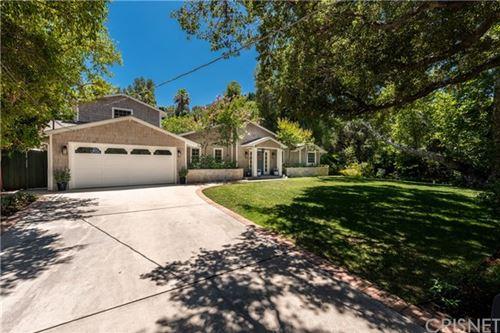 Photo of 15934 Valley Vista Boulevard, Encino, CA 91436 (MLS # SR20136982)