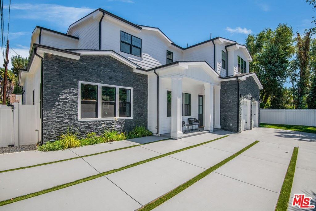 Photo of 13957 Mccormick Street, Sherman Oaks, CA 91423 (MLS # 21747982)