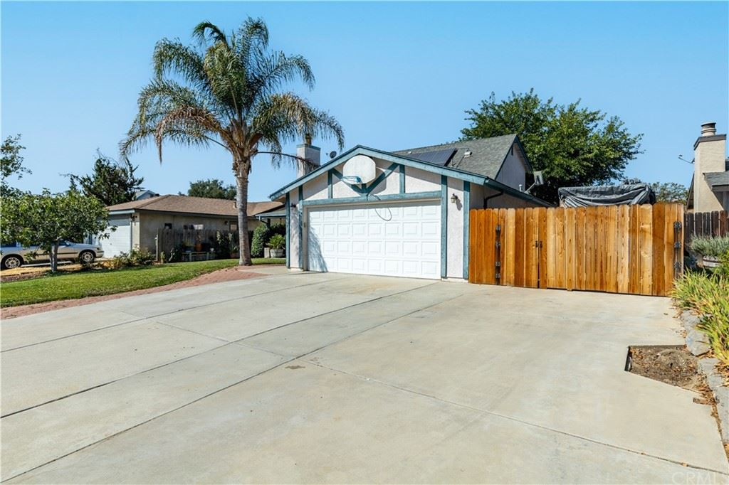Photo of 307 Veronica Drive, Paso Robles, CA 93446 (MLS # NS21199982)