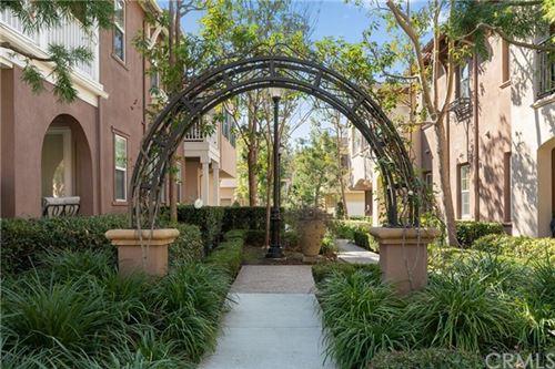Photo of 342 Quail Rdg, Irvine, CA 92603 (MLS # OC21023983)