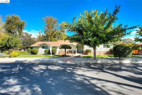 Photo of 1760 Sharon Dr, Concord, CA 94519 (MLS # 40970984)