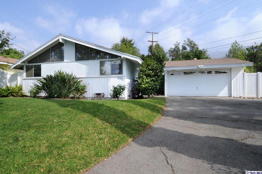 Photo of 3725 Paraiso Way, Glendale, CA 91214 (MLS # 320007984)