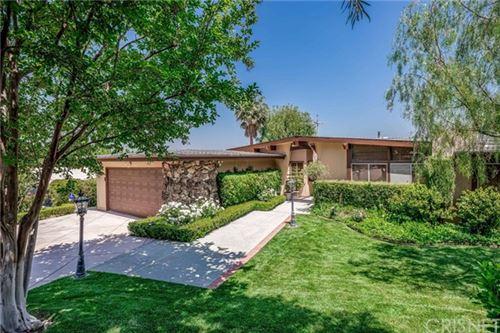 Photo of 6110 Pat Avenue, Woodland Hills, CA 91367 (MLS # SR21103986)