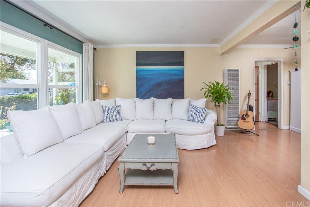 Photo of 16943 Marlin Place, Lake Balboa, CA 91406 (MLS # BB21226986)