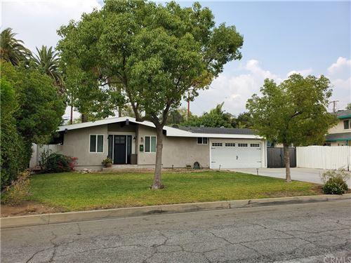 Photo of 909 E Walnut Avenue, Glendora, CA 91741 (MLS # CV21210987)