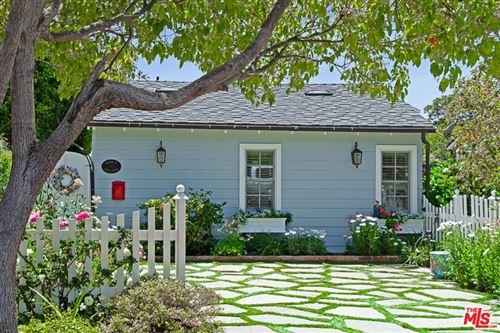 Photo of 16036 Junaluska Way, Pacific Palisades, CA 90272 (MLS # 21785988)
