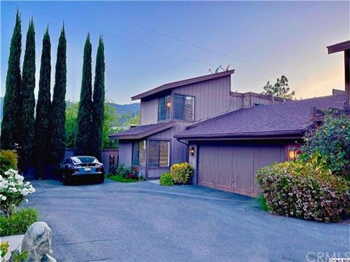 Photo of 44 Northwoods Lane, Glendale, CA 91214 (MLS # 320005988)