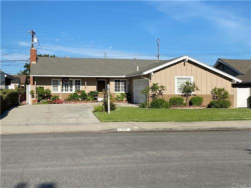 Photo of 17312 ZEIDER Lane, Huntington Beach, CA 92647 (MLS # OC21166988)
