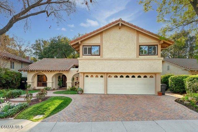Photo of 851 Hartglen Avenue, Westlake Village, CA 91361 (MLS # 221000988)