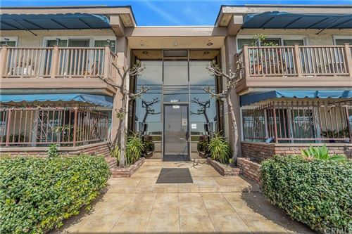 Photo of 2852 Sawtelle Boulevard #30, Los Angeles, CA 90064 (MLS # DW21027989)