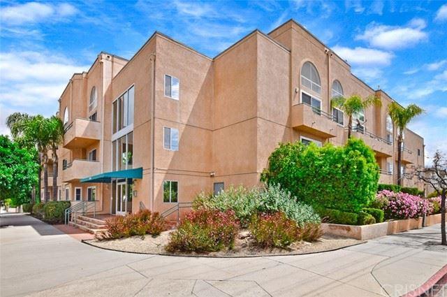 Photo of 5604 Rhodes Avenue #104, Valley Village, CA 91607 (MLS # SR21124989)