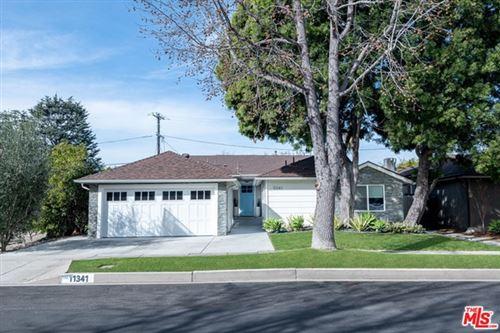 Photo of 11341 Rose Avenue, Los Angeles, CA 90066 (MLS # 21681990)