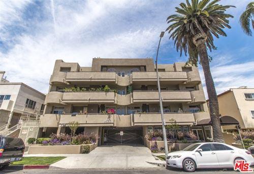 Photo of 4943 Rosewood Avenue #301, Los Angeles, CA 90004 (MLS # 20659992)