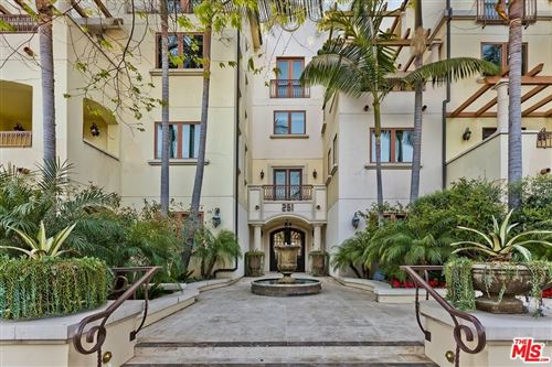 Photo of 261 S Reeves Drive #202, Beverly Hills, CA 90212 (MLS # 21742992)