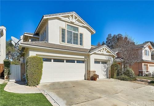 Photo of 27656 Woodfield Place, Valencia, CA 91354 (MLS # SR21005992)