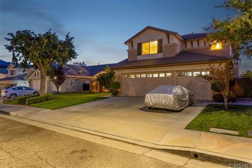 Photo of 26463 Puffin Place, Canyon Country, CA 91387 (MLS # SR21223992)