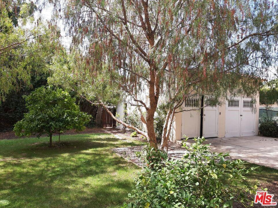 Photo of 609 N Bedford Drive, Beverly Hills, CA 90210 (MLS # 21791992)