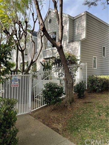Photo of 589 N Garfield Avenue #1, Pasadena, CA 91101 (MLS # DW21006993)