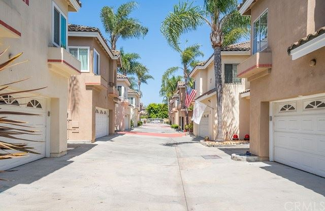 Photo of 172 Terraza Court, Costa Mesa, CA 92627 (MLS # CV21094993)