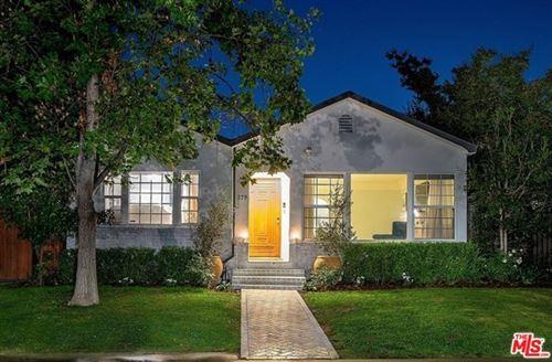 Photo of 379 N Bronson Avenue, Los Angeles, CA 90004 (MLS # 20627994)