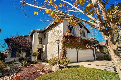 Photo of 29371 Begonias Lane, Canyon Country, CA 91387 (MLS # SR20258995)